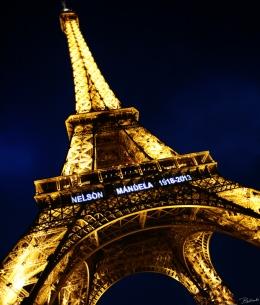 Paris Lights The Sky In Honor Of NelsonMandela