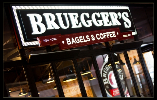 BRUEGGER'S New York Style Bagels at the foot of the  Montparnasse Tower! Montparnasse – 11 rue de l'Arrivée 75015 – Paris, France -  Photo: Bellanda ®